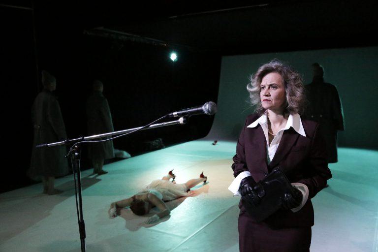 Bettina Kaminski in ATROPA © Felix Holland