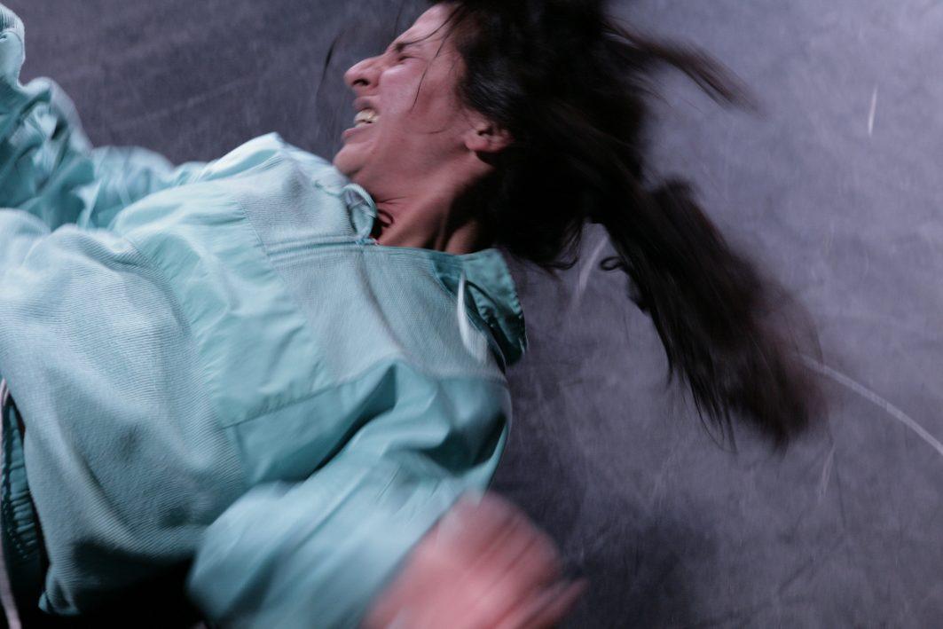 Neda Rahmanian in RABENKIND © Felix Holland